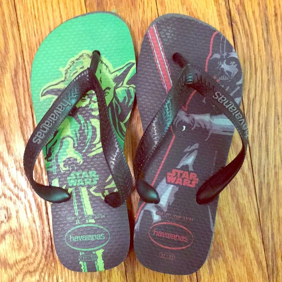 c08deddebe19 Havaianas Other - VGC Little Boys Star Wars Havaianas in Size 2